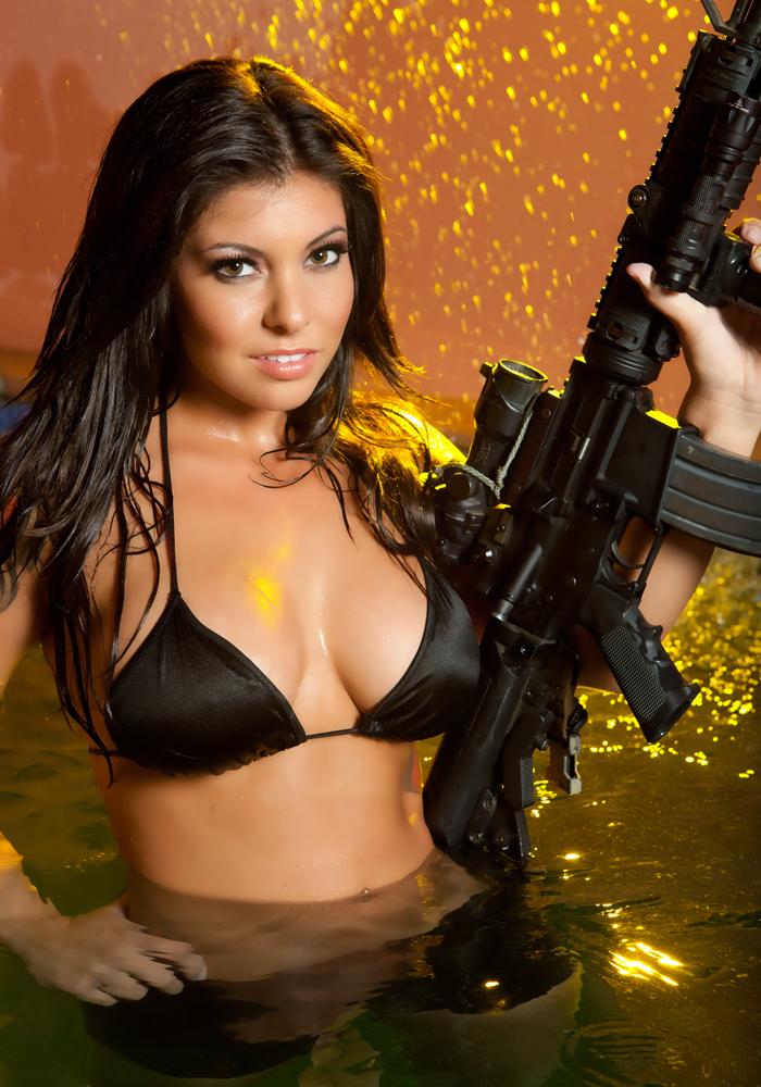 15 Девушки и оружие
