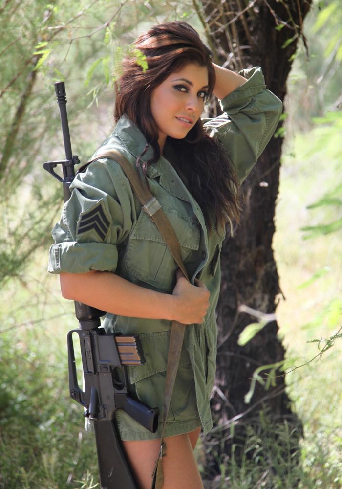 5 Девушки и оружие