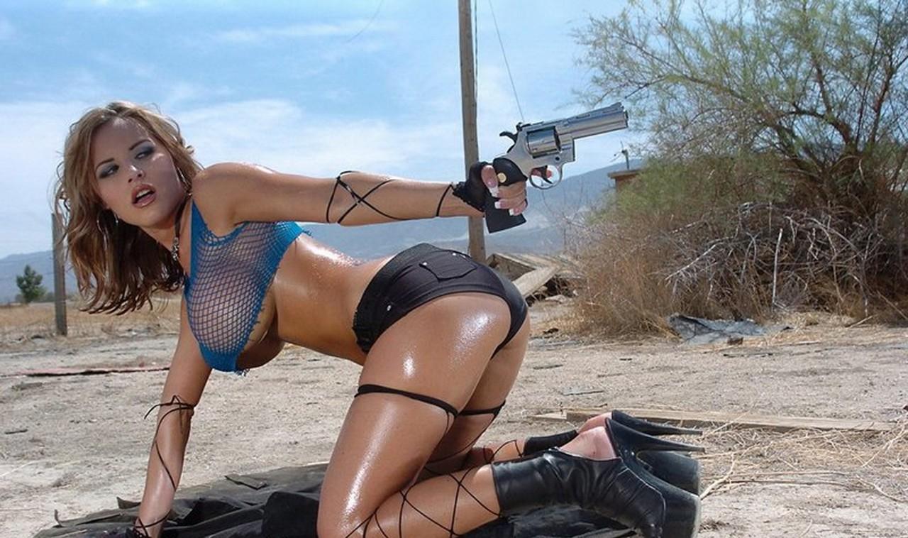 girl war 10 1280x758 Девушки и оружие