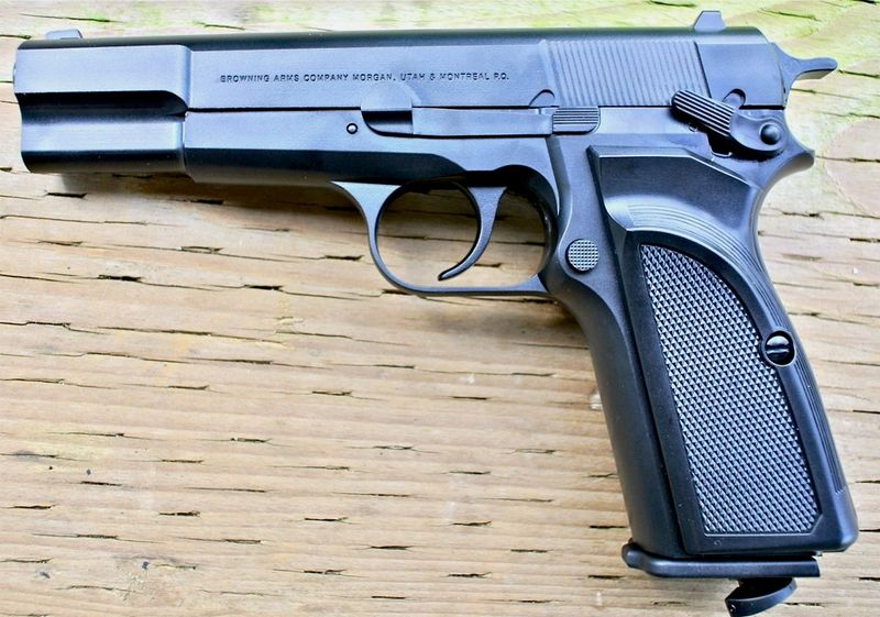 Browning Hi power Mark III Left Пневматический пистолет Umarex Browning Hi power Mark III