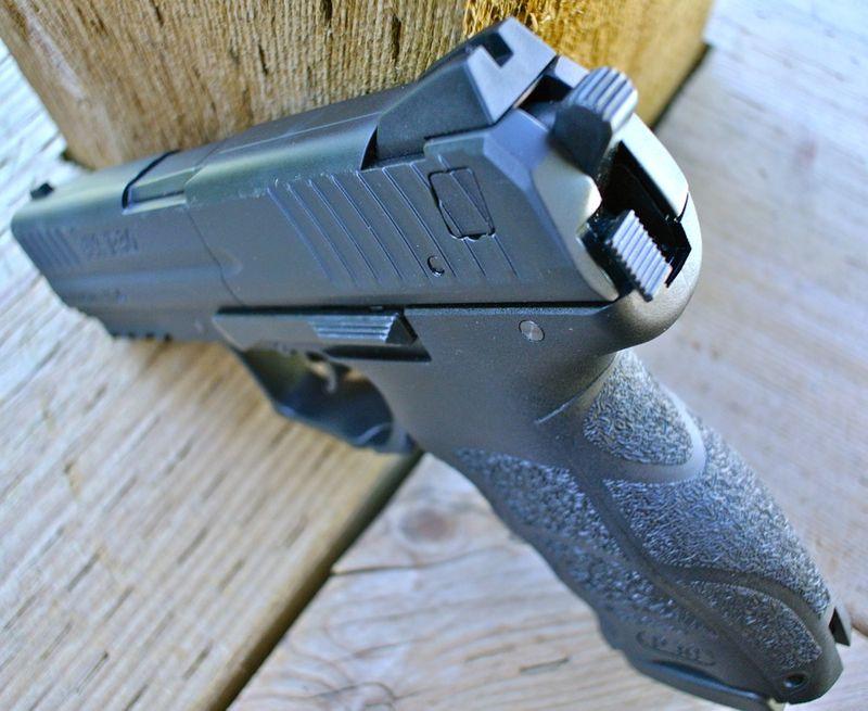 Umarex HK P30 Hammer Umarex HK P30   пистолет с двумя магазинами