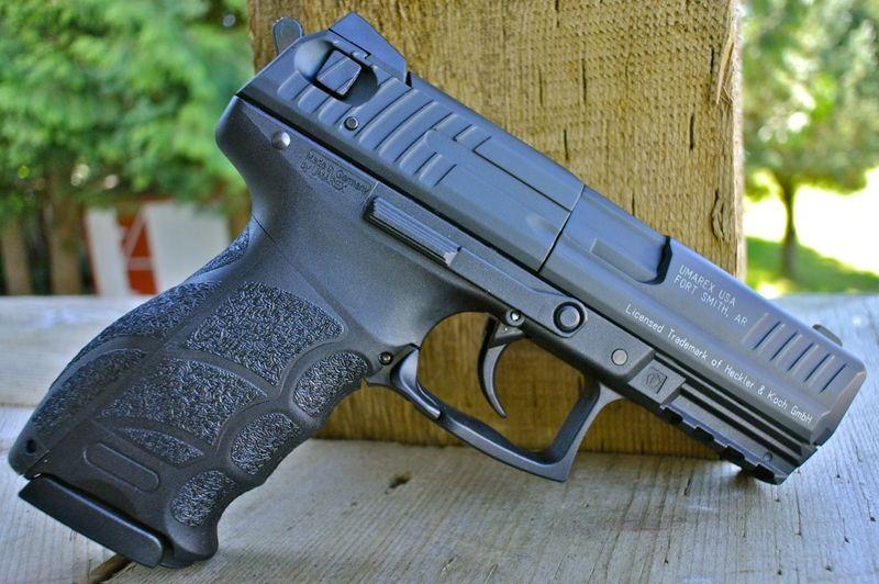 Umarex HK P30 Right Side Umarex HK P30   пистолет с двумя магазинами