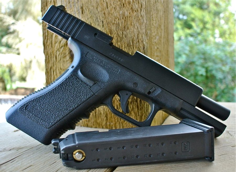 KSC Glock 17 Airsoft Right Open Magazine 1 Airsoft пистолет KSC GLOCK 17