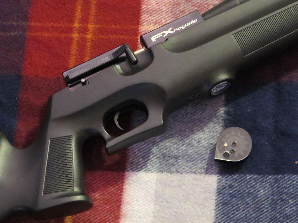 FX Royale 25 caliber 002 Пневматическая винтовка FX Royale 200 Synthetic кал. 6,35 мм