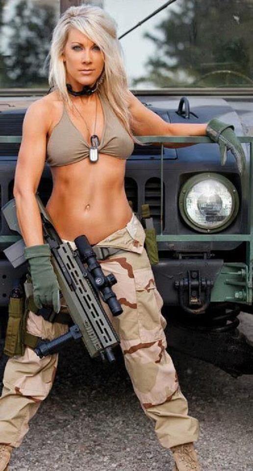 Girls and guns 09 Красивые девушки и оружие